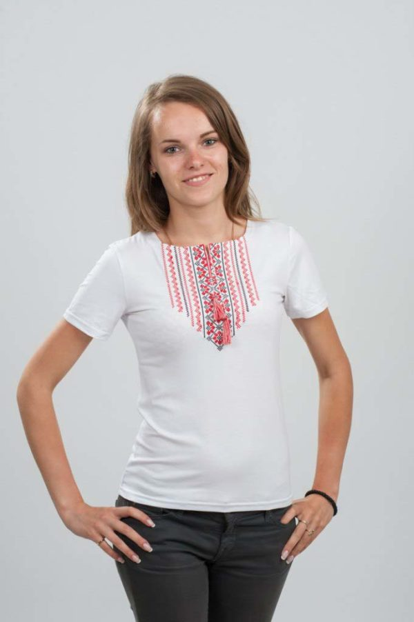 Женская футболка с вышивкой Орнамент белая