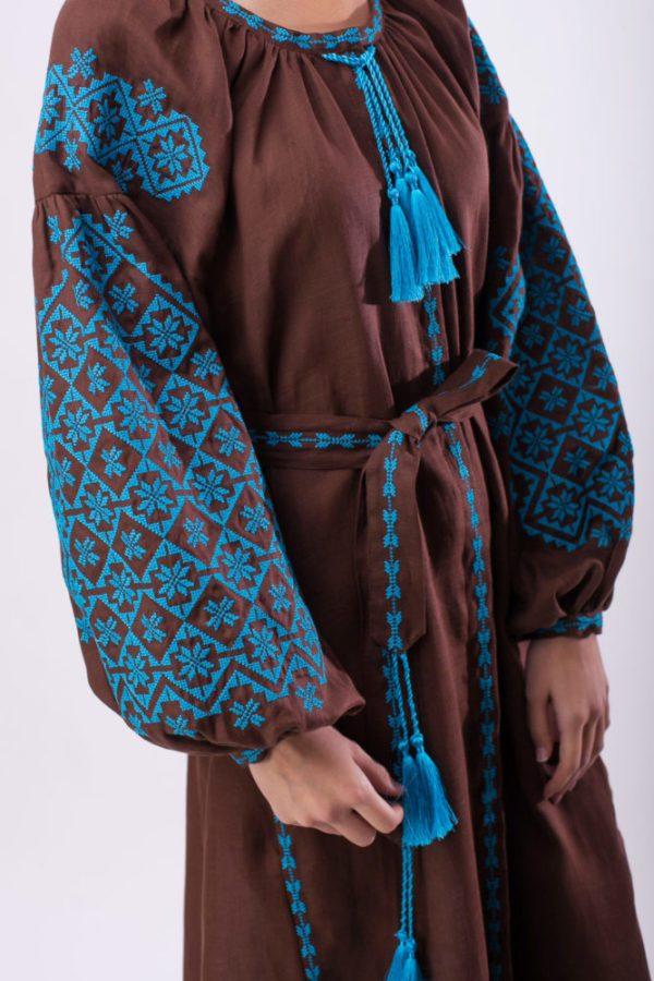 Платье с вышивкой Ясные зори шоколад/бирюза
