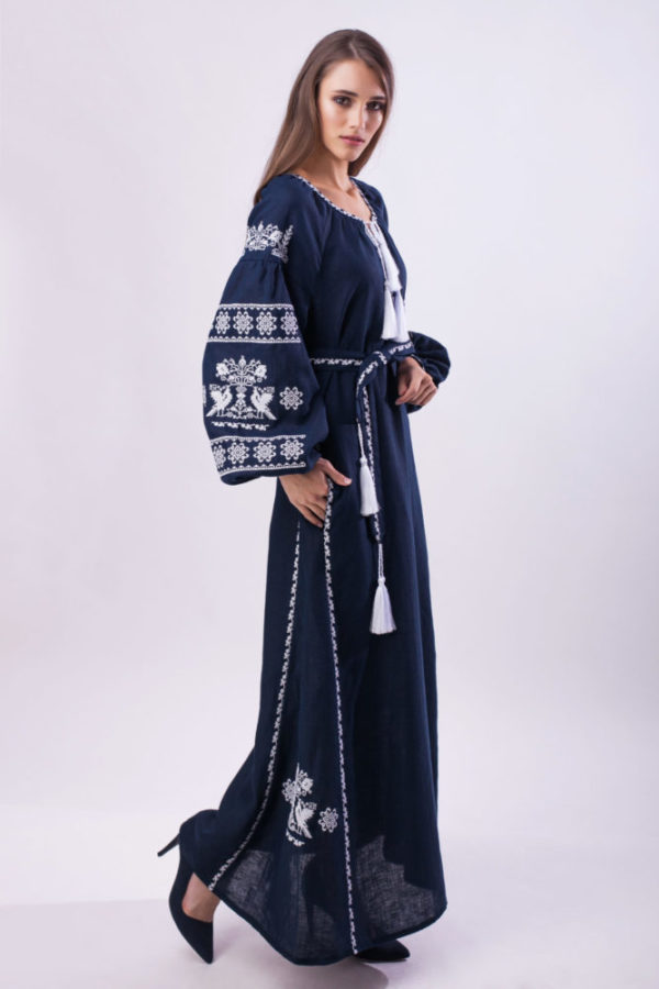 Платье с вышивкой Волшебная птица синий/белый