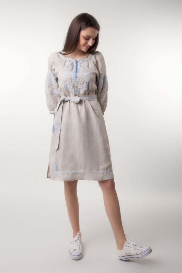 Платье в вышивкой Окошки беж/голубой