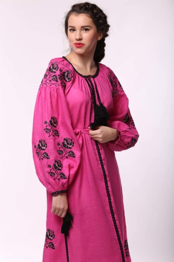 Платье с вышивкой Роза