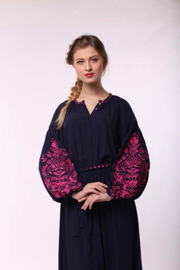 Платье с вышивкой Дерево жизни темно-синий фуксия