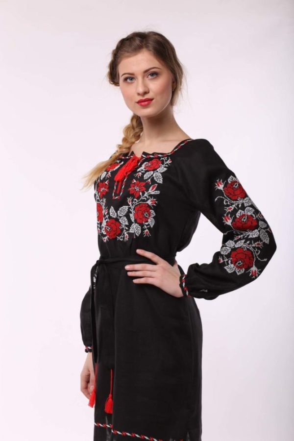Платье с вышивкой Полтавская роза черное