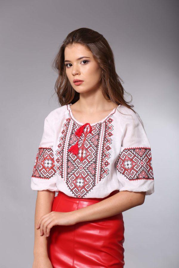 Женская вышиванка Орнамент белая
