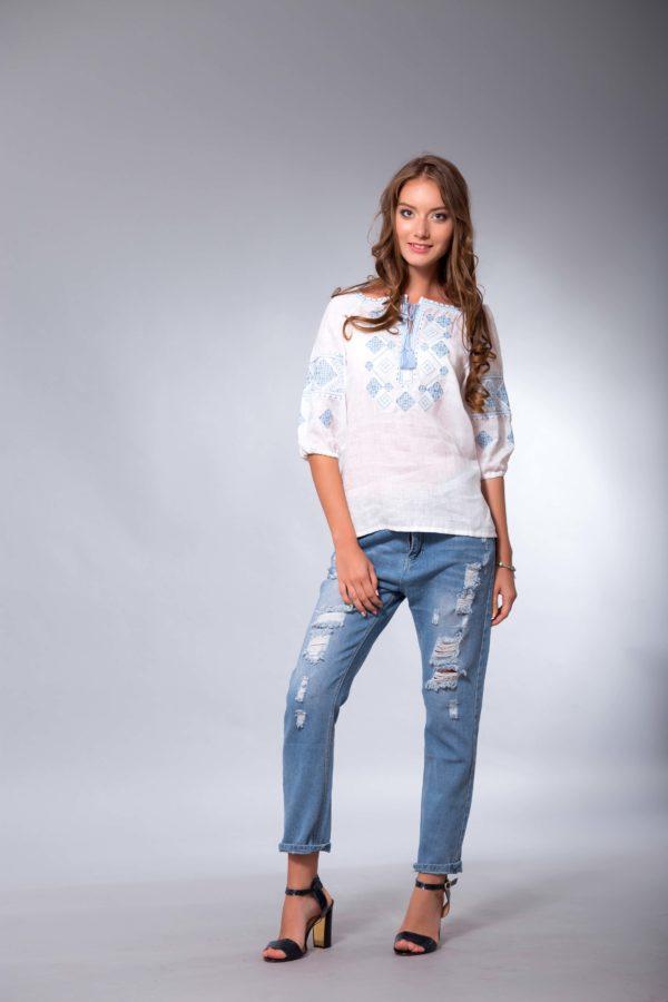 Женская вышиванка Окошки белая/голубой