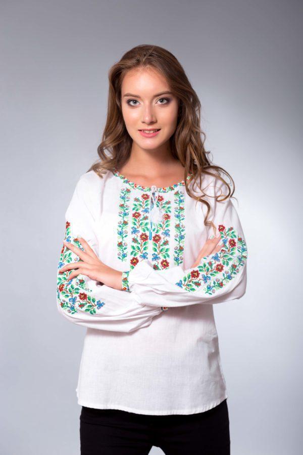 Женская вышиванка Гуцулка