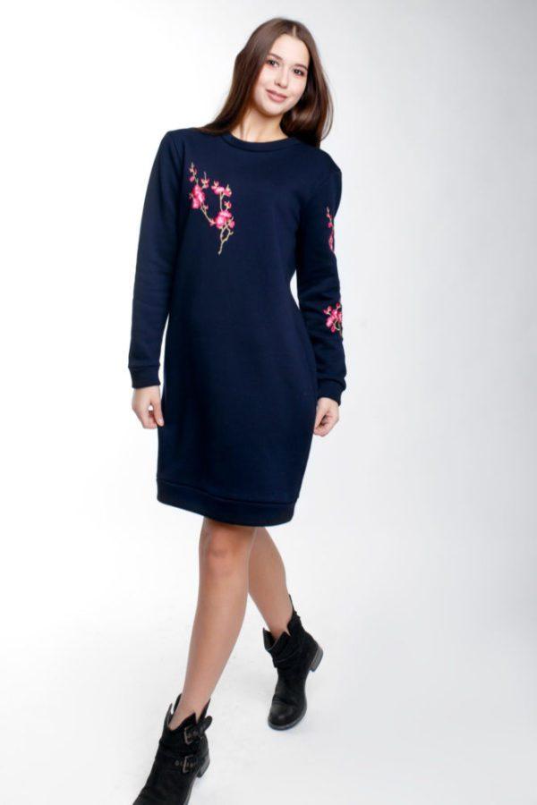 Сукня-світшот з вишивкою