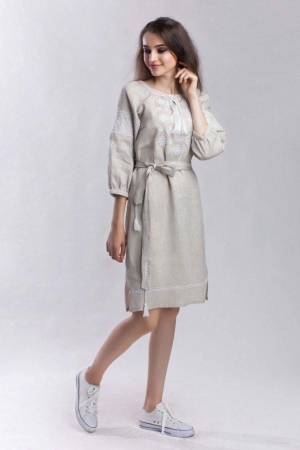 Платье с вышивкой Окошки беж/белая