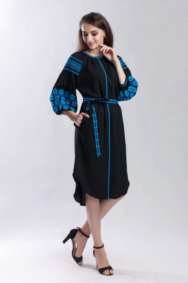 Женское платье с вышивкой Нежная ромашка бирюза
