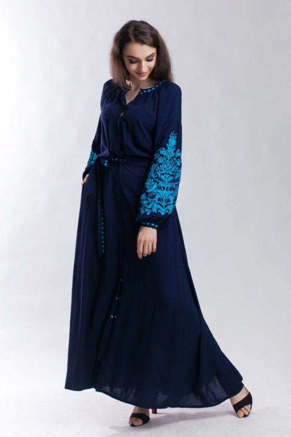 Жіночий вишитий одяг