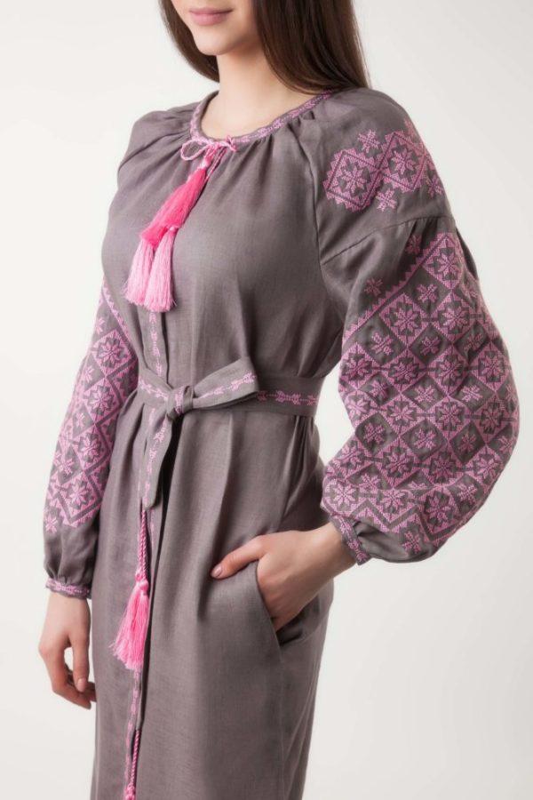 Платье в вышивкой Ясные зори капучино/розовый