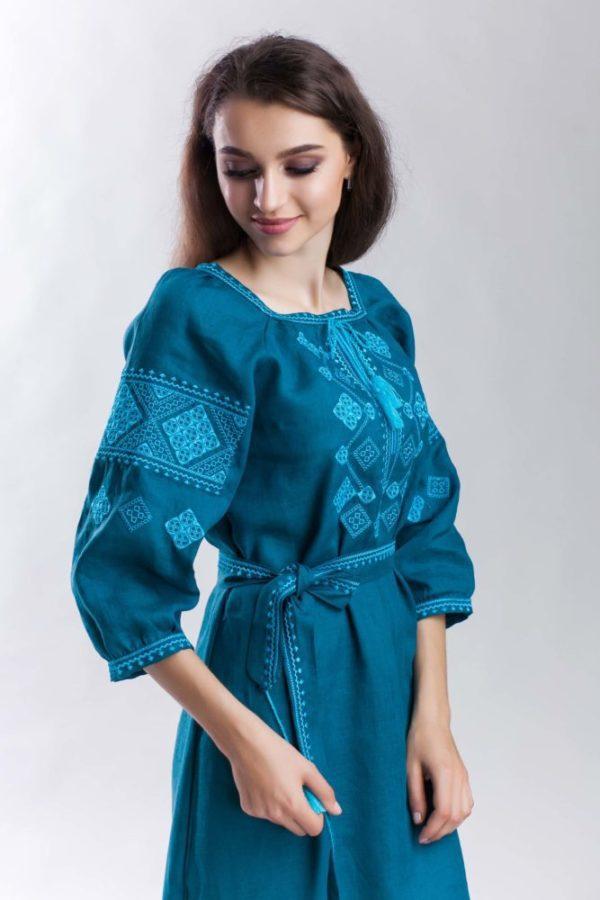 Платье с вышивкой Окошко морская волна