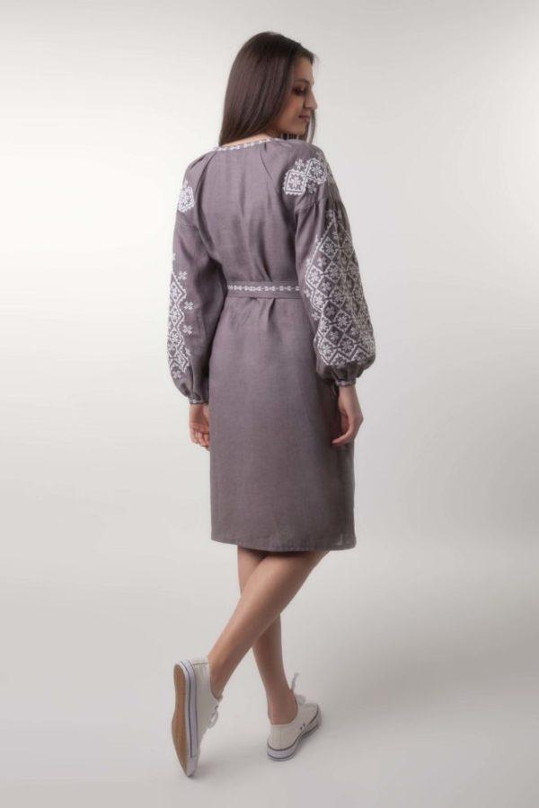 Платье с вышивкой Ясные зори капучино/белая
