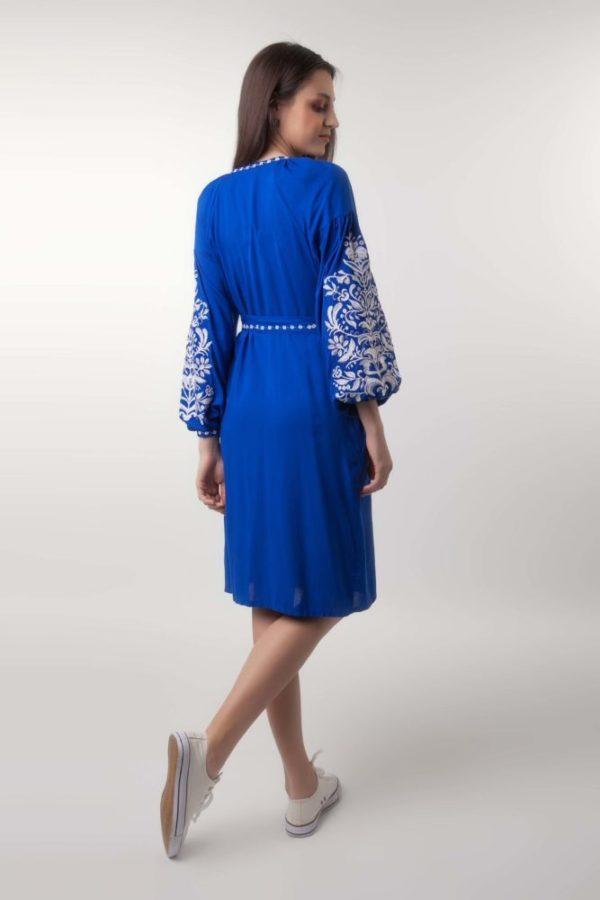 Платье с вышивкой Дерево жизни электрик/белая