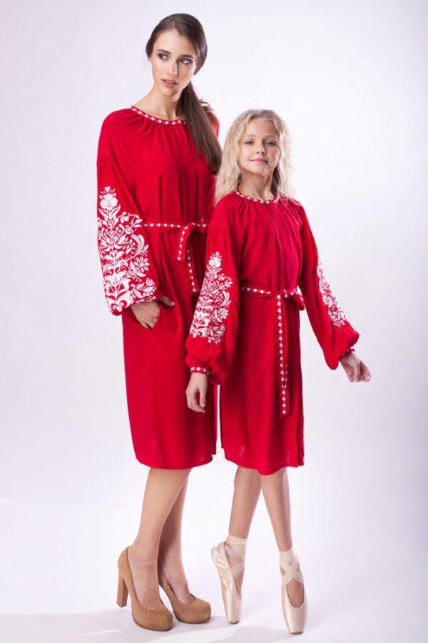 Платье с вышивкой Дерево жизни красное/белая