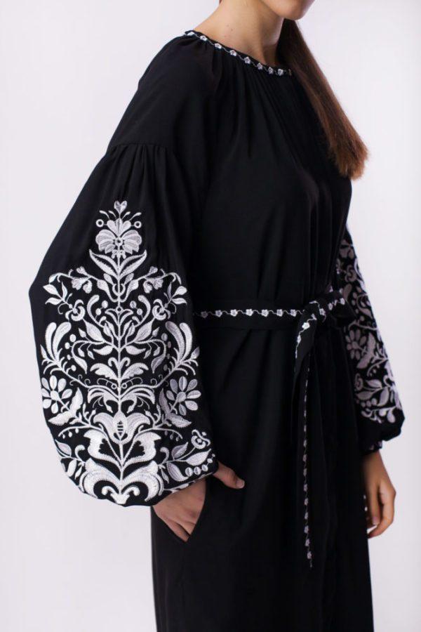 Платье с вышивкой Дерево жизни черное/белая