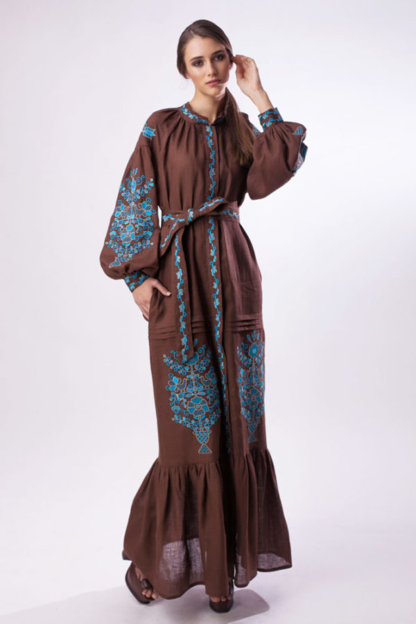 Платье с вышивкой Цветущий сад