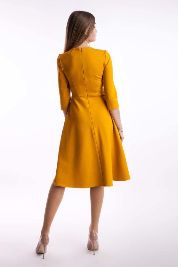 Платье  горчица миди