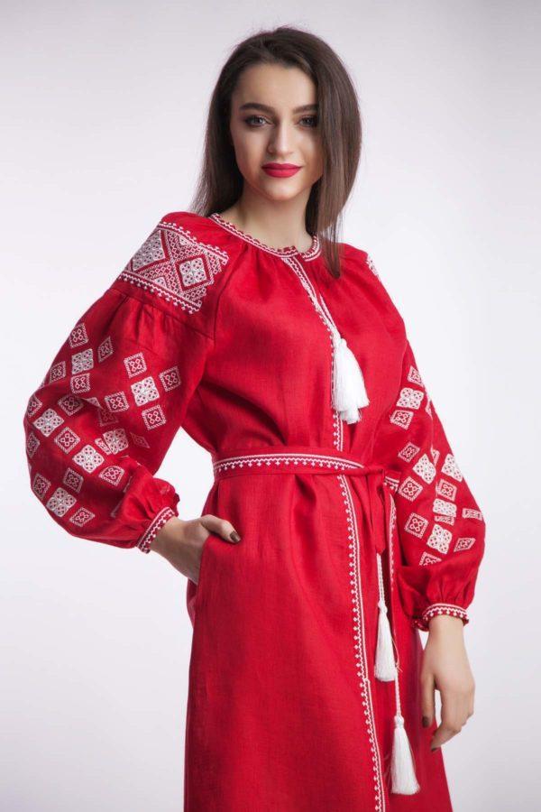 Платье с вышивкой Окошки красное