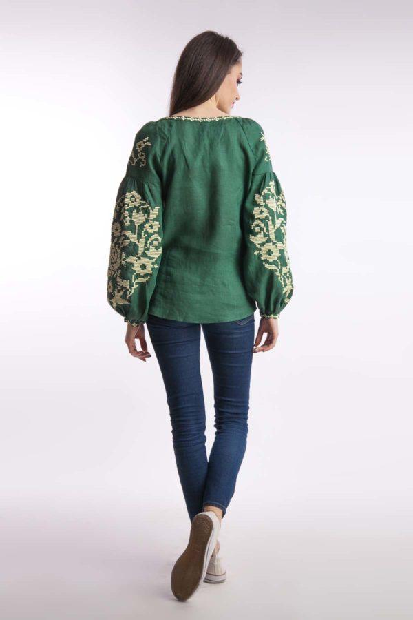 Женская вышиванка Осеннее вдохновение изумруд