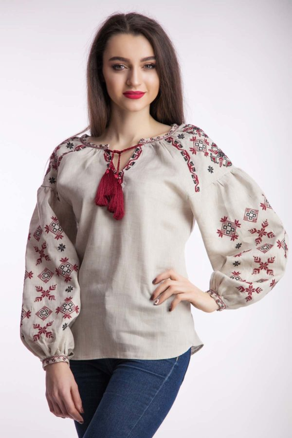 Женская вышиванка Цветок папороти беж