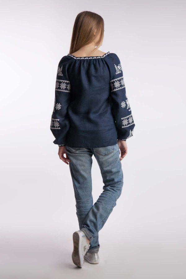 Женская вышиванка Чудесная птица темно-синий белая вышивка